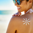 Hết lo sạm da cháy nắng mùa hè nhờ 7 cách sau